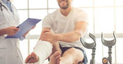 injured man with nurse